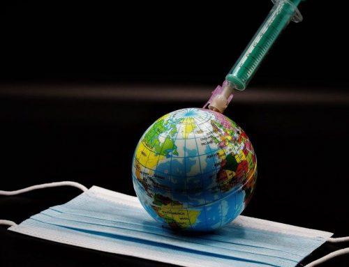 """Covid-19. Aprovação da vacina é """"passo decisivo no combate"""" à pandemia"""