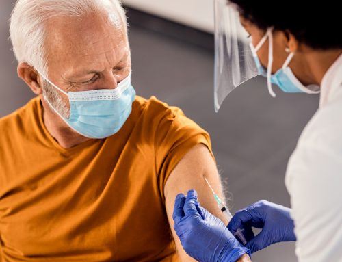 Idosos são o grupo mais recetivo à vacinação contra a covid-19 em Portugal