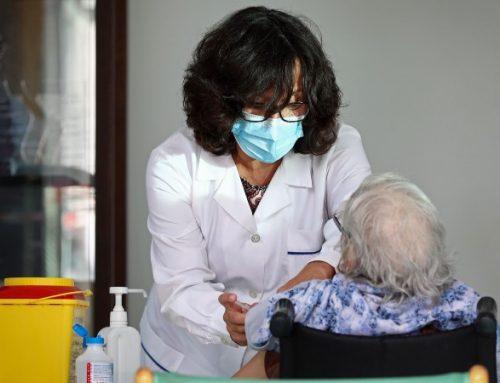 Covid-19. Estudo revela que 95% dos idosos adquirem proteção após segunda dose
