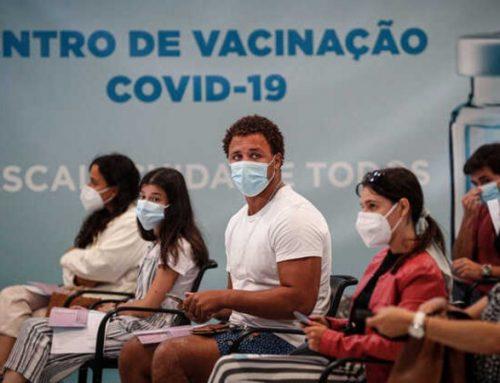100% dos idosos e metade dos adolescentes com vacinação completa contra a Covid-19